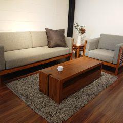 南堀江店より チーク家具とフローリングの色調について